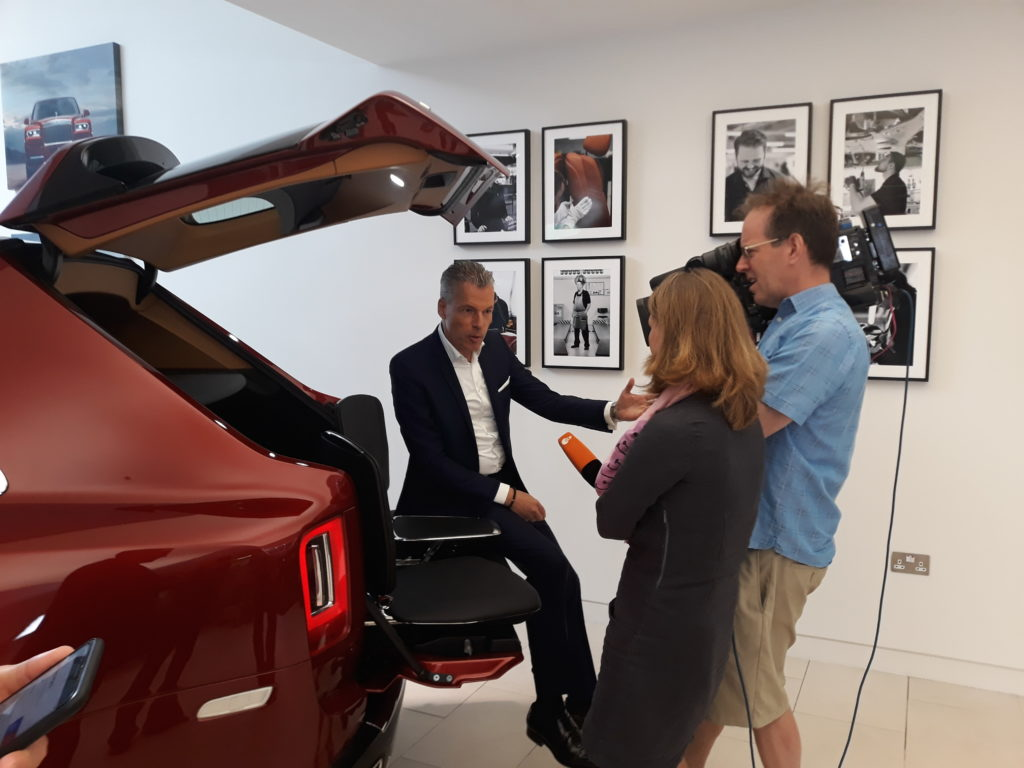 Rolls-Royce Cullinan Launch Live Video Streaming